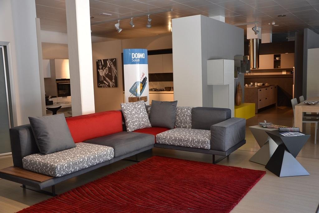 Chic divani cesena idee per il design della casa for Il design della casa
