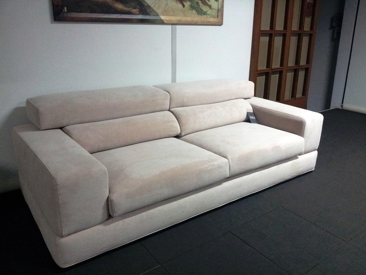 Samoa divano block scontato del 33 divani a prezzi scontati - Rivestimento divano costo ...