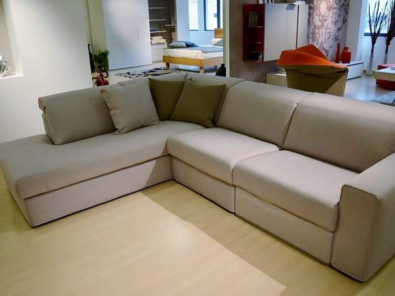Altezza di un divano great titania u divano angolare in - Altezza seduta divano ...