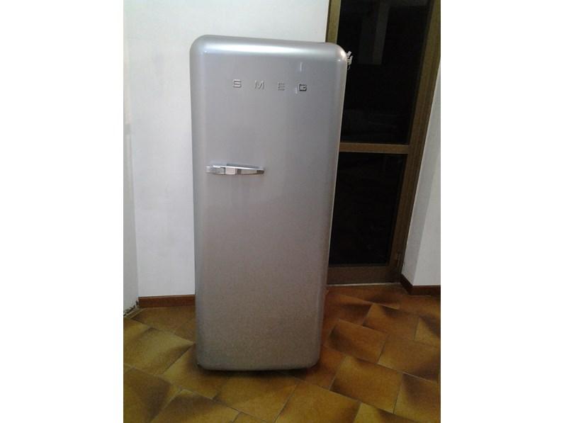 frigorifero da accosto smeg estetica anni 50 modello fab28rx ...