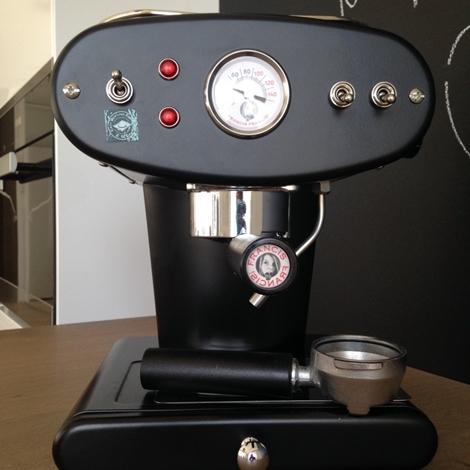 outlet Macchina da caffè macinato X1 Francis Francis, colore nero, Illy Caffè, scontata del 45%