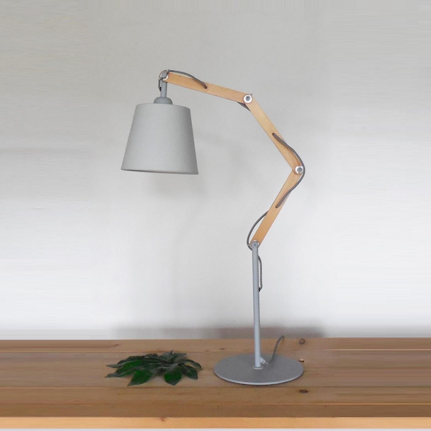 Illuminazione lampada da tavolo a1 teo vendita online for Illuminazione online