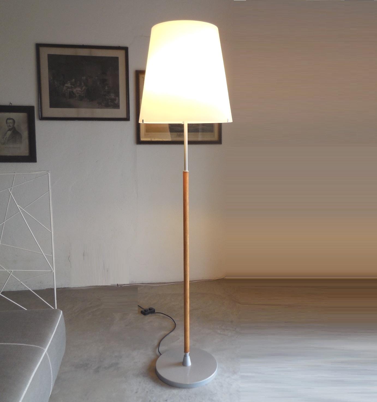 Illuminazione fontana arte lampada da terra art 2198ta for Illuminazione online