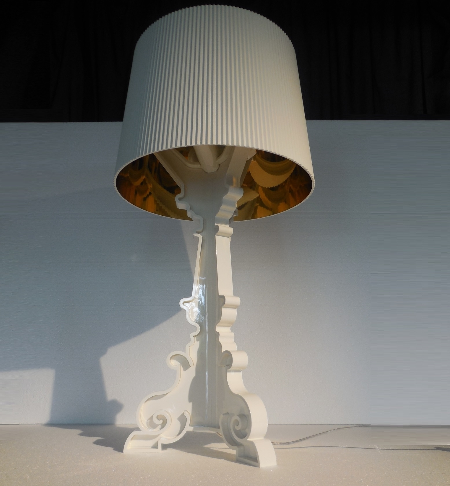 Illuminazione kartell 9076 lampada bourgie white lampada for Lampade kartell outlet