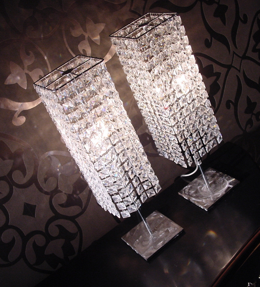 Lampada comodino in cristallo illuminazione a prezzi for Lampada comodino