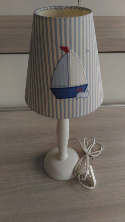 Lampada da comodino per cameretta barca a vela for Lampada comodino