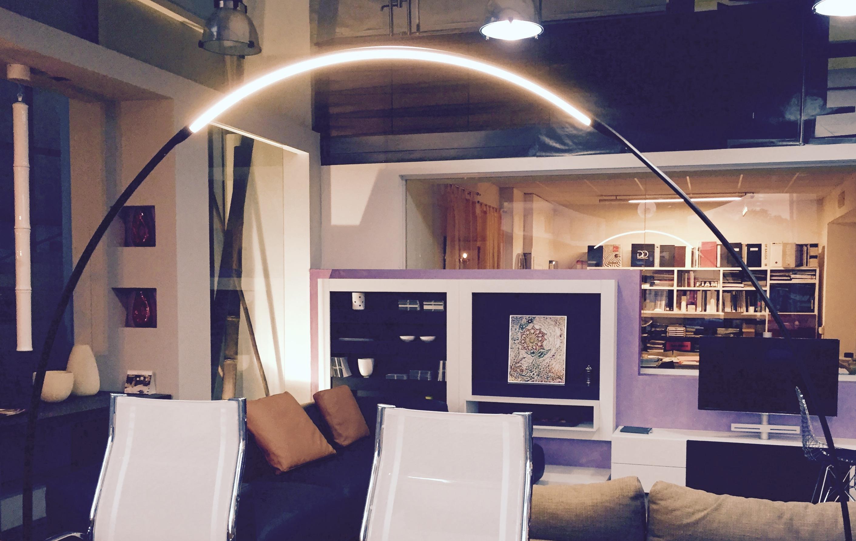 Lampada da esterno ad arco modello halley vibia - Lampade da esterno moderne ...