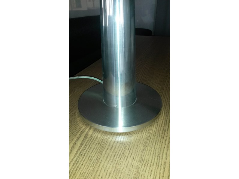 Lampada da tavolo modello lem di costa for Arredo inox crotone