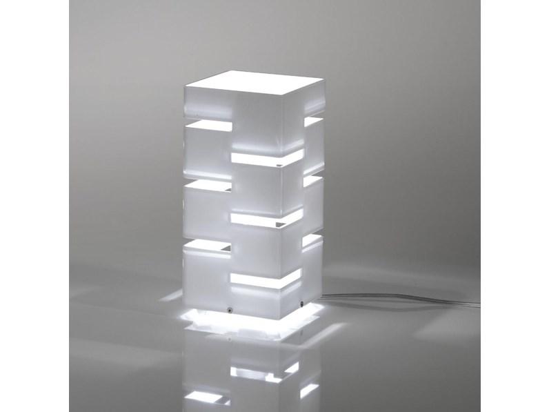 Lampada da tavolo vesta design mod quadra piccola a for Tavolo design outlet