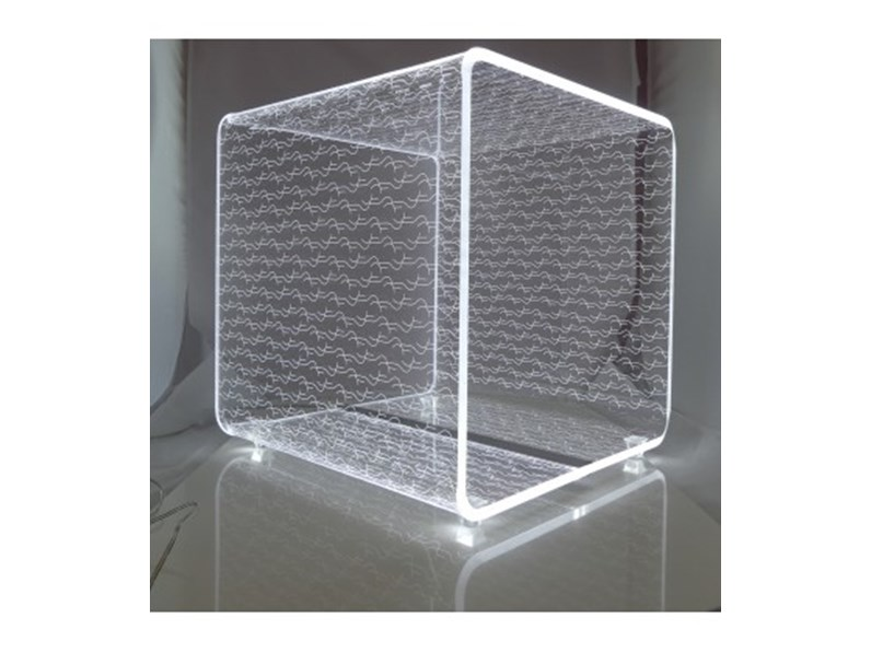 Lampada da tavolo vesta design mod solid media a prezzi for Tavolo design outlet