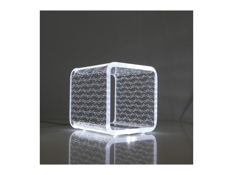 Lampada da tavolo vesta design mod solid piccola a prezzi for Tavolo design outlet