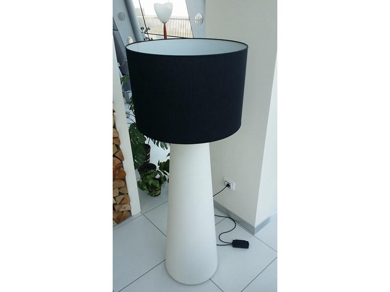 Chiara tavolo con lampada colore bianco lampade da terra foto
