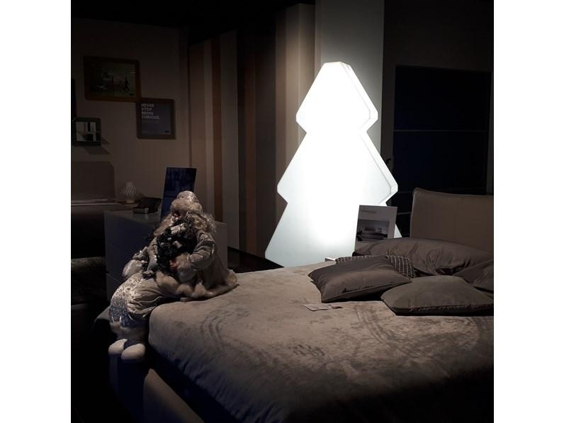 Lightree La Lampada Da Terra Forma Di Abete : Lampada da terra lightree slide in offerta outlet