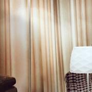 Lampada da terra - piantana - Modello Soft 3322-10-178 - Fabas Luce - in vetro bianco e sostegno in nichel satinato - base quadrata .