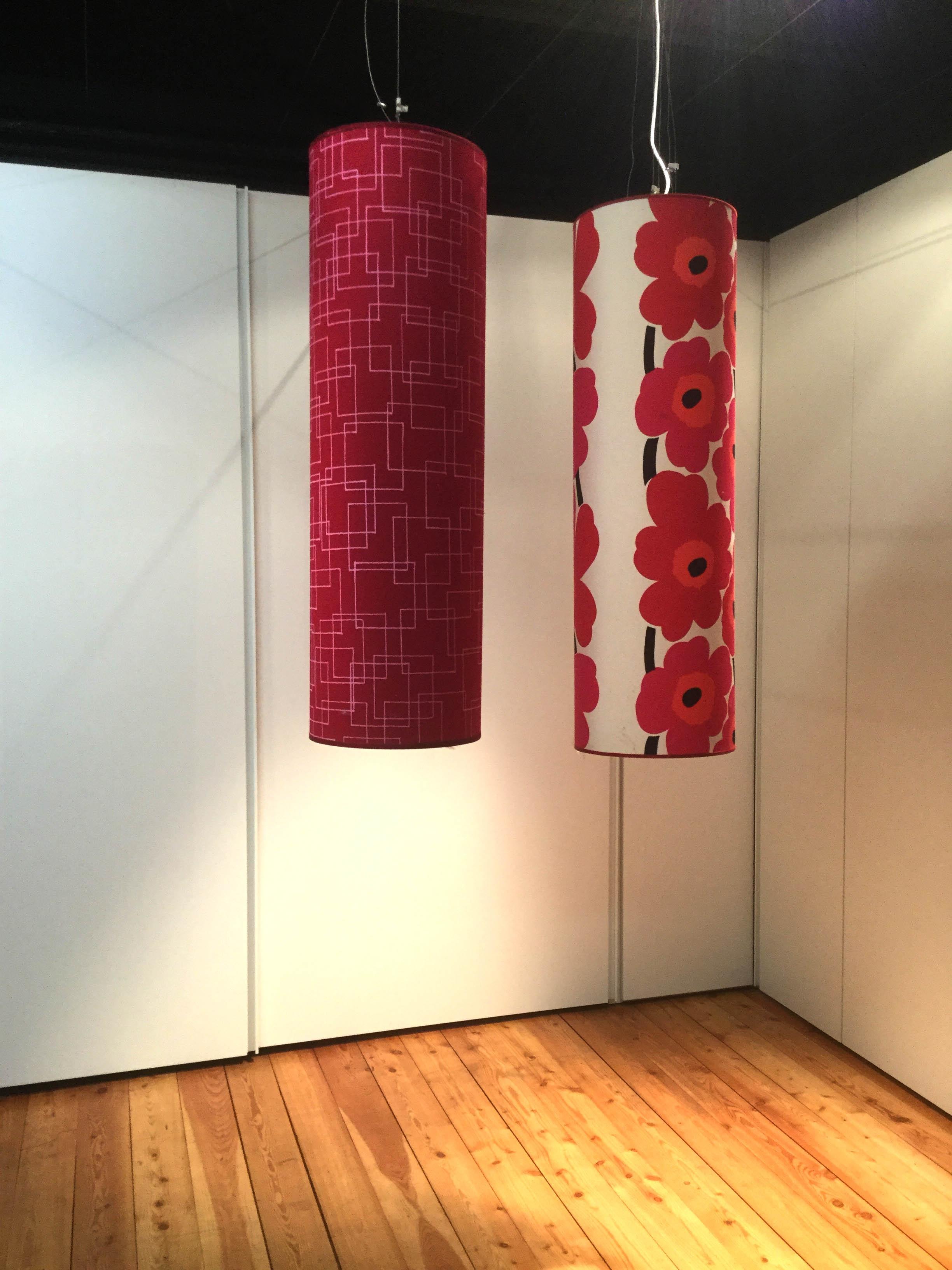 Lampada di design e atmosfera con tessuto disegno floreale - Lampada di design ...