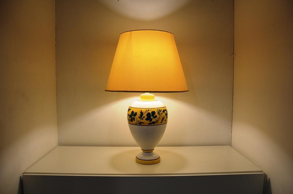 Flai design illuminaziona epoque lampade da tavolo for Flai arredamento