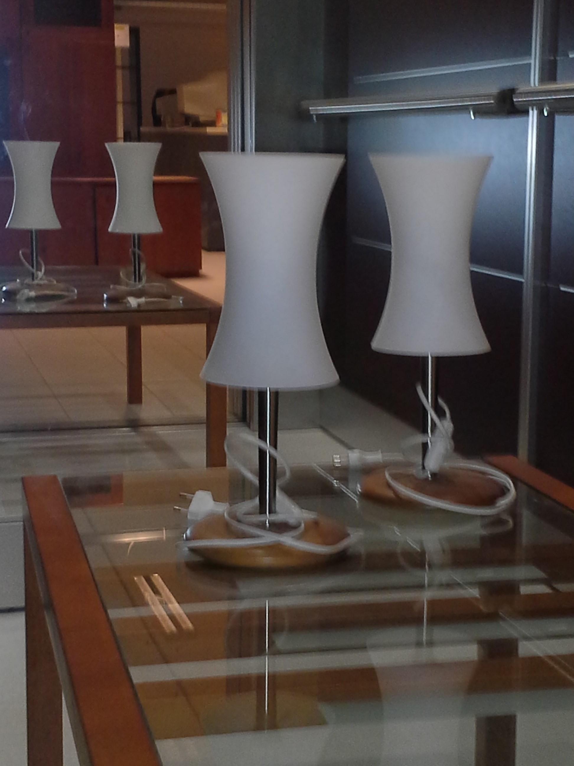 Offerta lampada da tavolo 15609 illuminazione a prezzi for Tavolo vetro satinato