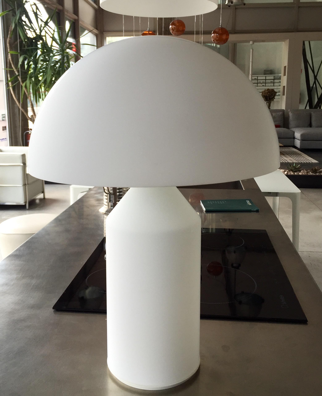 Oluce lampada da tavolo atollo 237 vetro di murano opalino illuminazione a prezzi scontati - Lampada da tavolo atollo ...