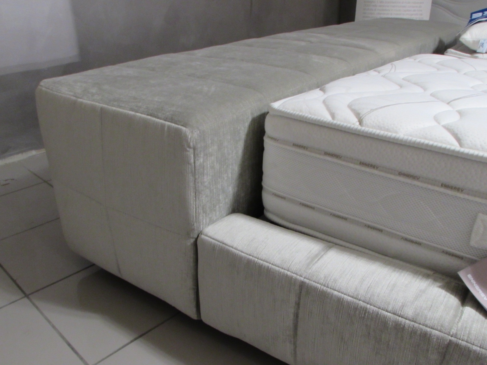 Bonaldo letto squaring matrimoniale design letti a for Letto matrimoniale design