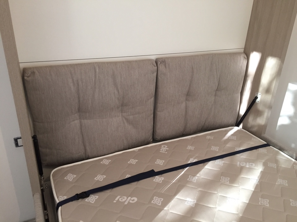 Clei letto penelope sofa 39 prezzo scontato outlet letti a for Letto a scomparsa con divano