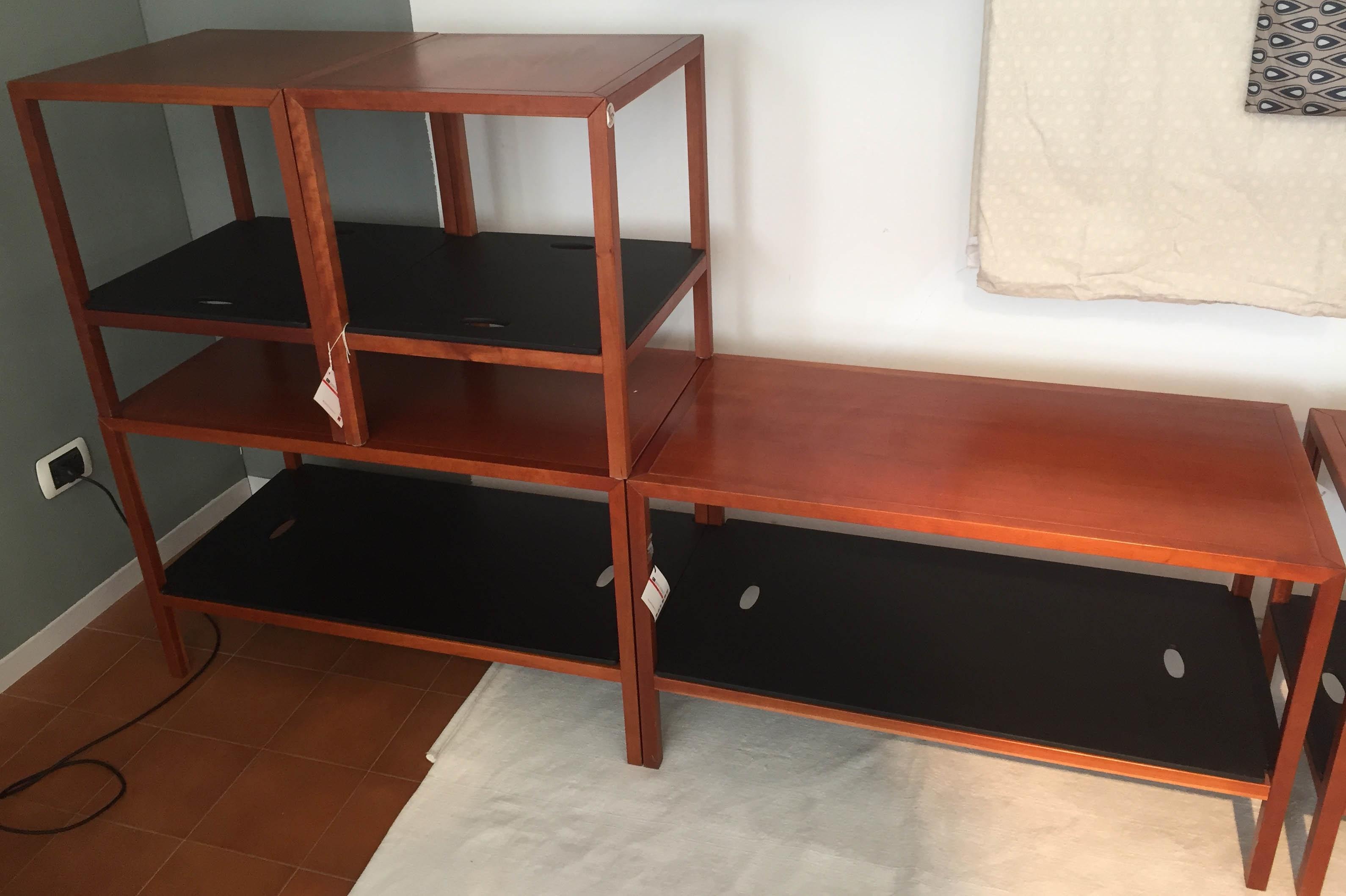 Comodino tavolino spigoletto flou legno ciliegio letti a for Outlet letti flou