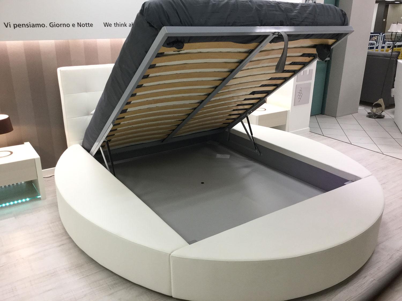 Crippa divani letti letto tondo matrimoniale letti a for Letto contenitore design