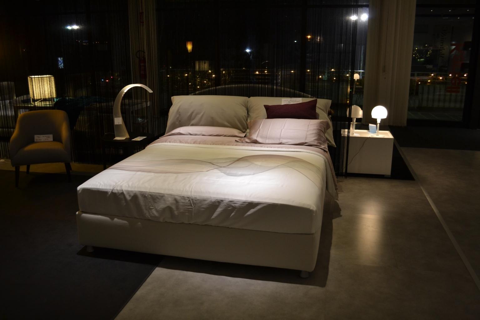 Flou letto nathalie matrimoniale letti a prezzi scontati - Prezzo letto flou nathalie ...