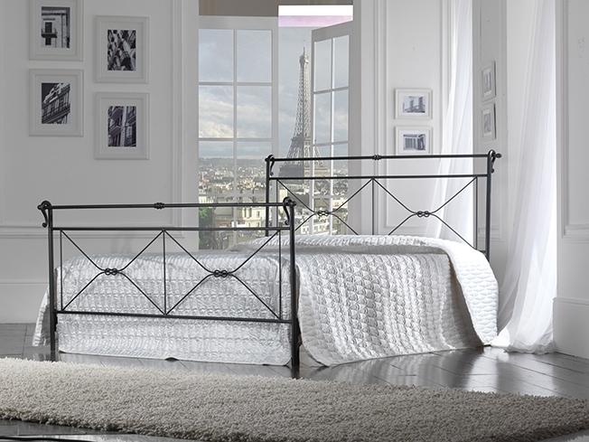 Letto a 2 piazze con struttura in ferro pediera e - Pediera del letto ...