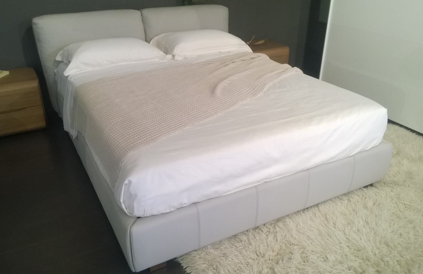 Letto a box modello roxanne pelle naturale falegnameria 1946 letti a prezzi scontati - Camere da letto in pelle ...