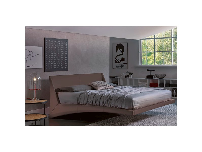 Letto cattelan dylan in pelle design for Outlet letti design