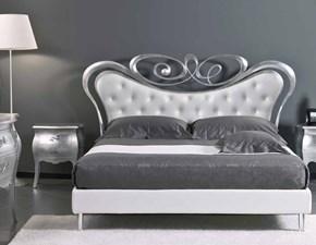 Letto classico con giroletto Modello tiffany foglia argento e rivestimento eco pelle bianca maggioni Maggioni a prezzo scontato