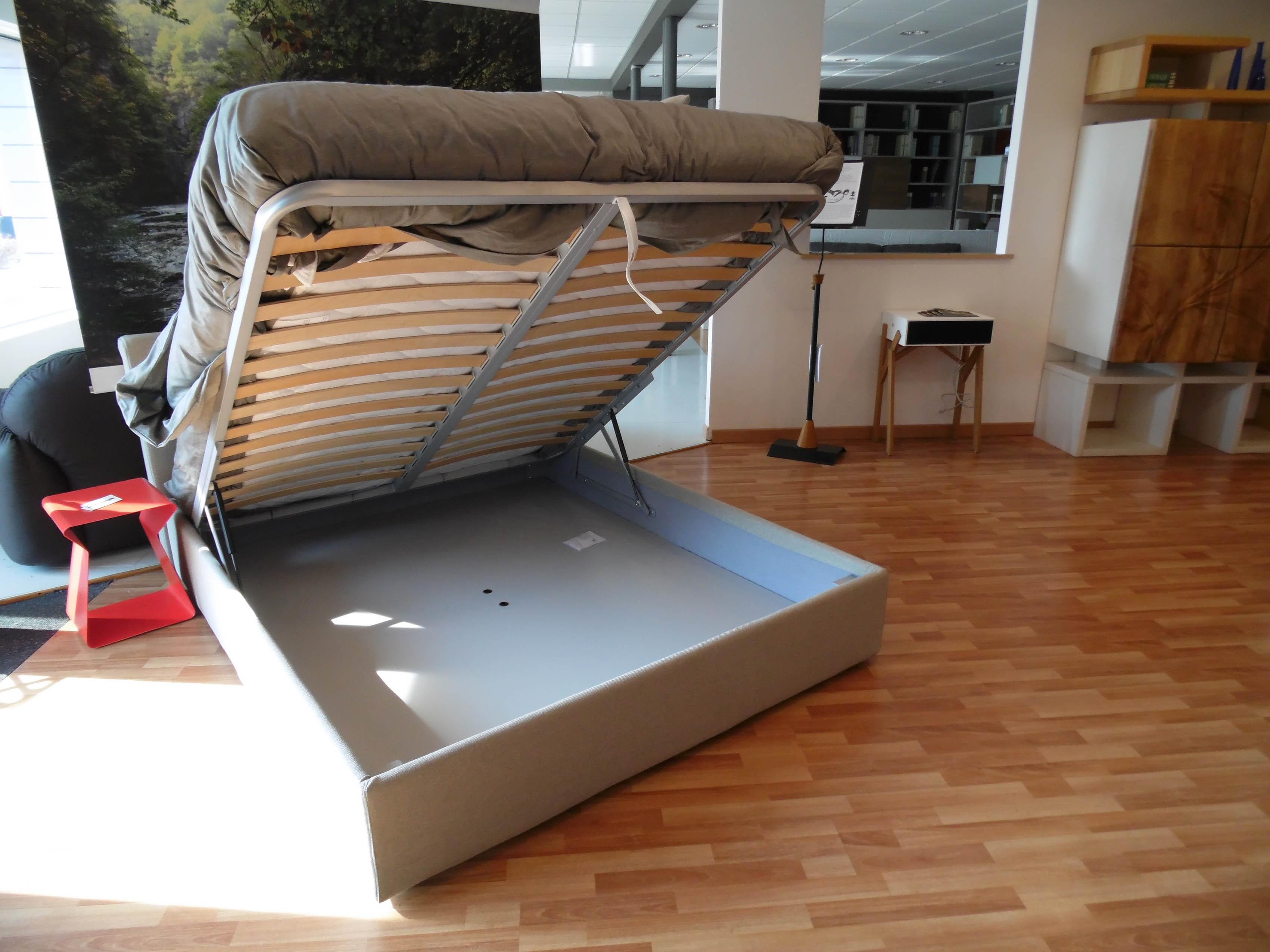 Letto con contenitore crippa divani letti elios scontato del 50 letti a prezzi scontati - Divani letto con contenitore ...