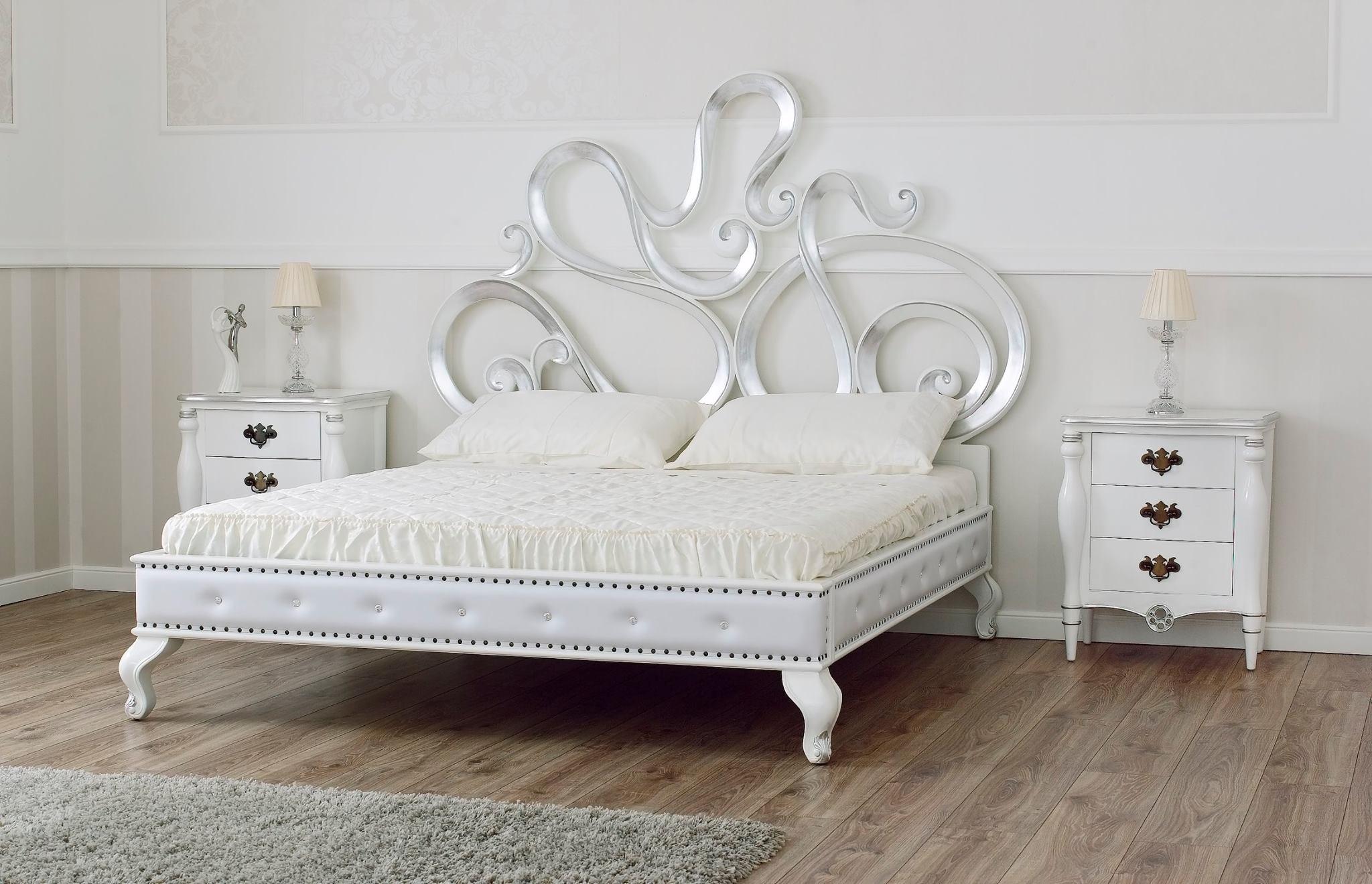 Letto matrimoniale in legno massello liberty letti a - Spalliere letto in legno ...