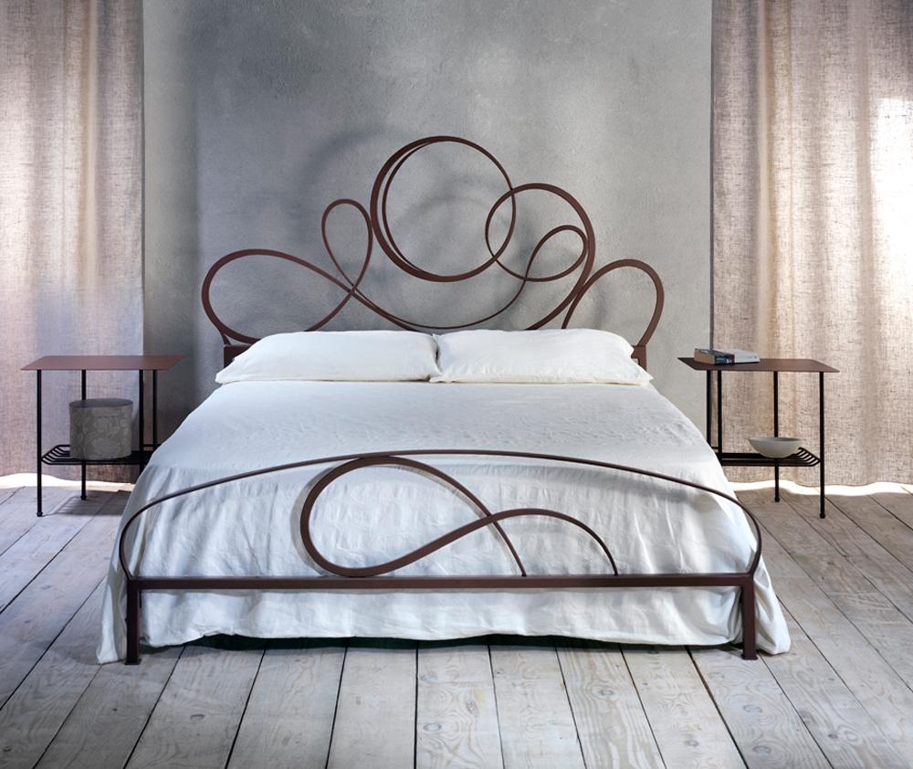 Letto cosatto ravello matrimoniale letti a prezzi scontati - Camera da letto con letto in ferro battuto ...