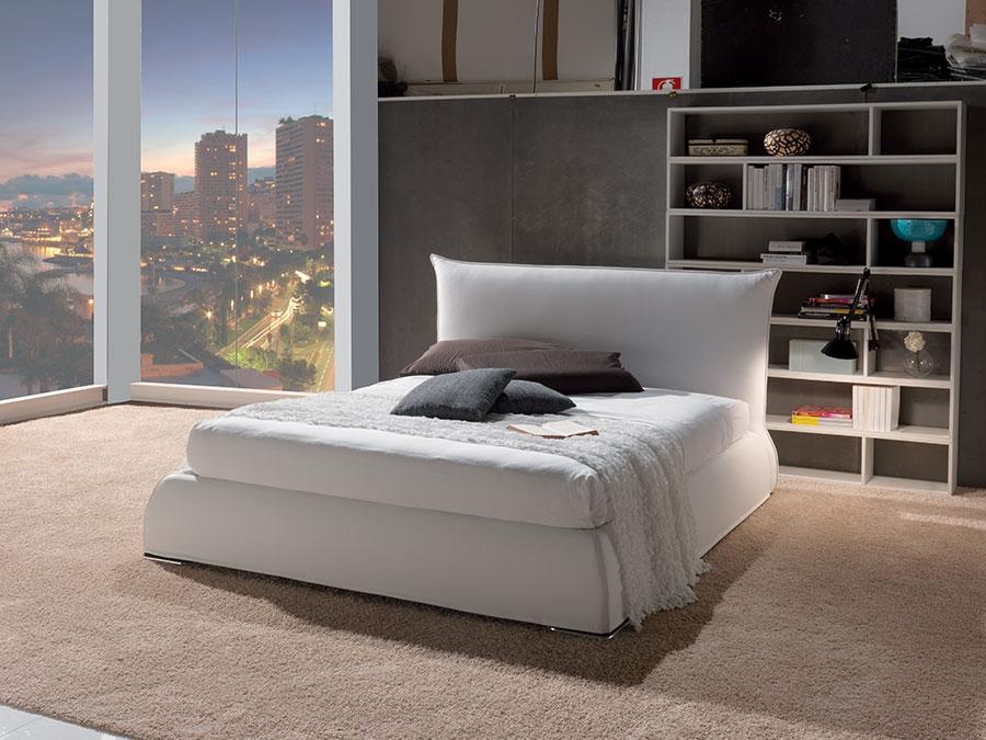 Letto crippa divani letti letto imbottito modello oliva for Divani letti moderni