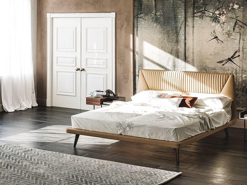 Letto design con gambe amadeus cattelan a prezzo ribassato - Gambe del letto ...
