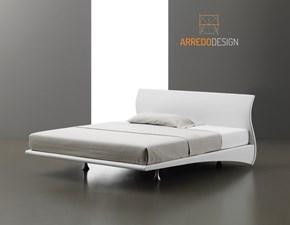 Letto design con giroletto Frank Artigianale a prezzo ribassato