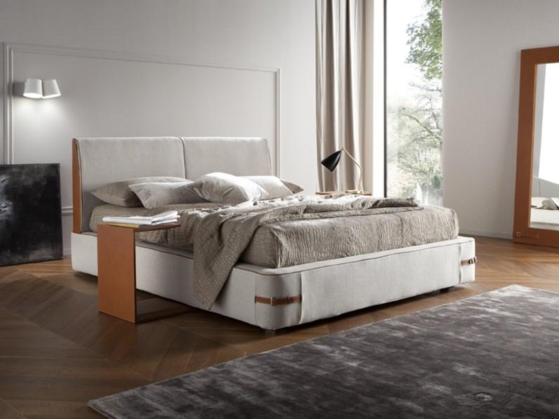 Letto design cuoio cinturato for Letti outlet design