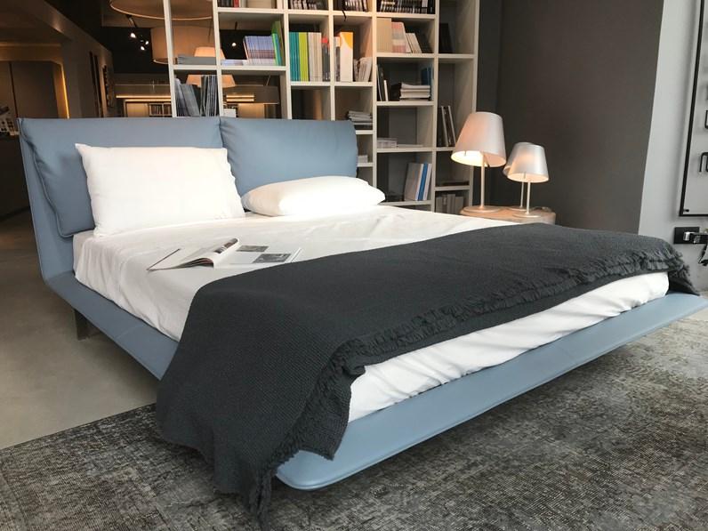 Letto design john john bed con rete e materasso di for Letti di design outlet