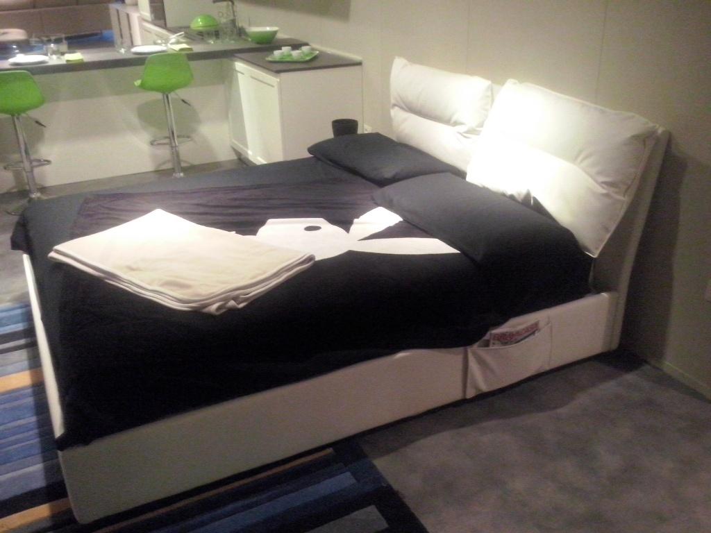 Costo letto flou letto sama flou flou camere da letto e novit al salone del mobile letto ad - Letto imbottito flou ...