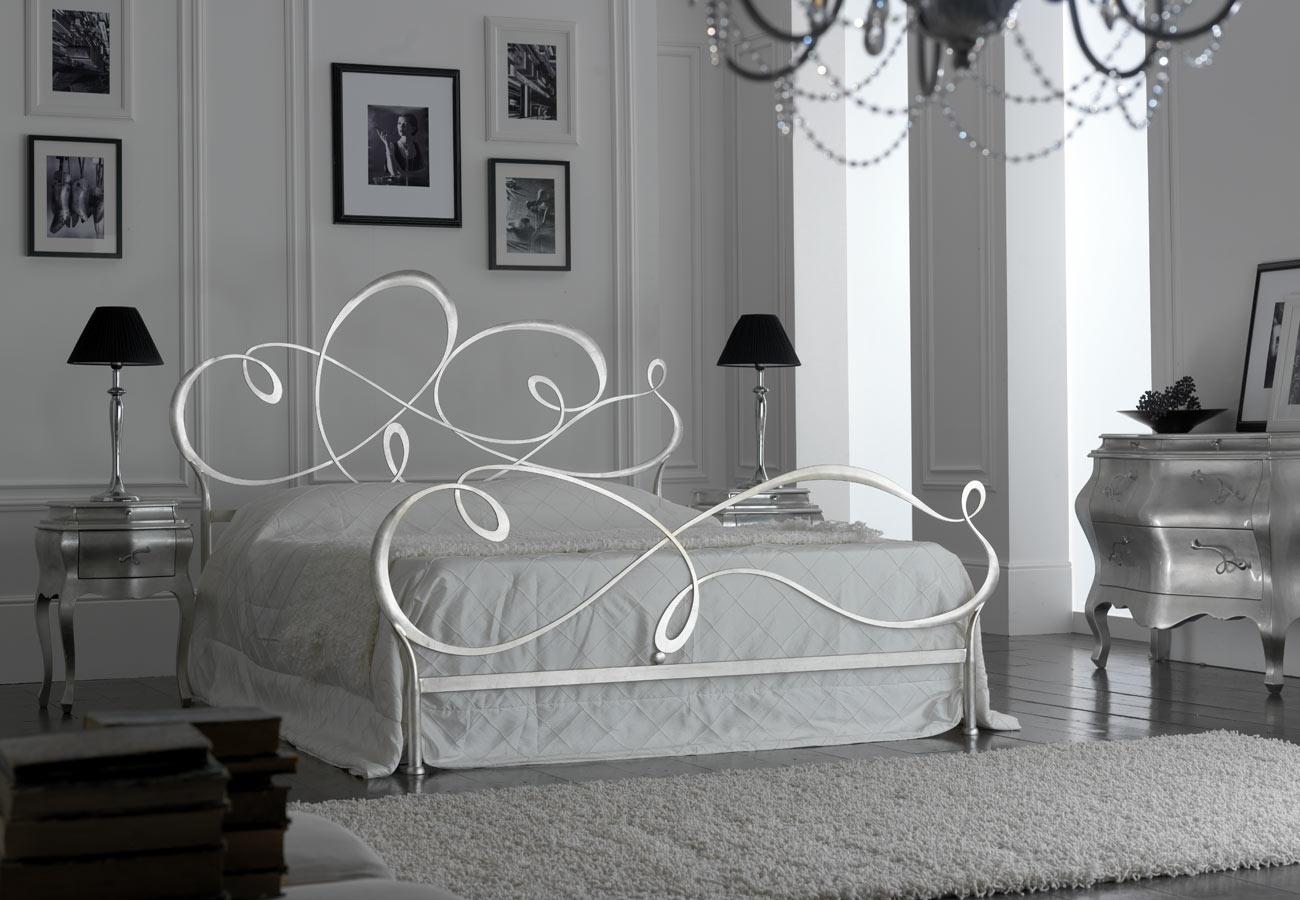 Letto florentia bed capriccio moderno letti a prezzi for Letto ferro battuto moderno
