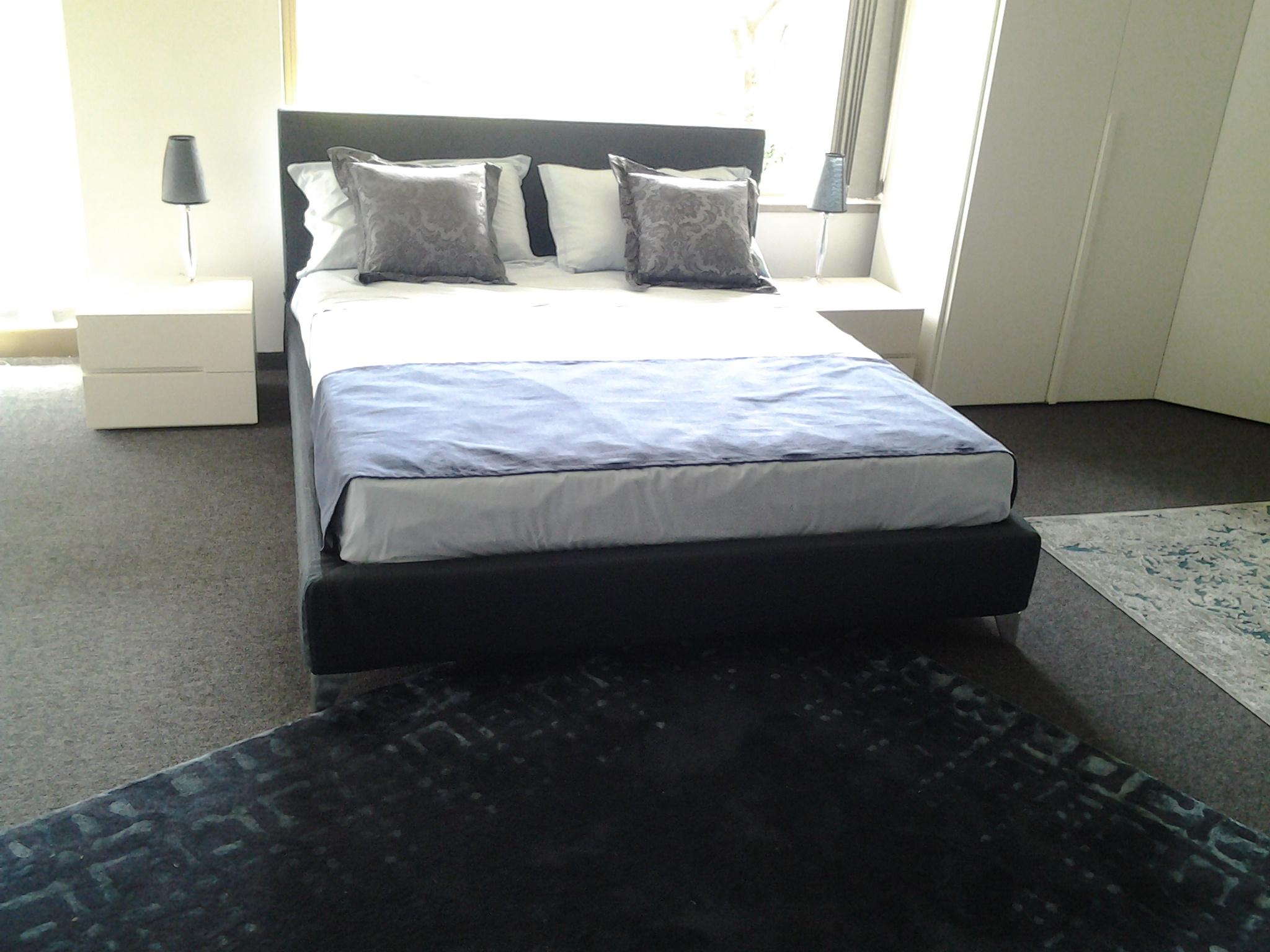 Letto tessuto great letto space in tessuto o pelle with - Piedi letto ikea ...