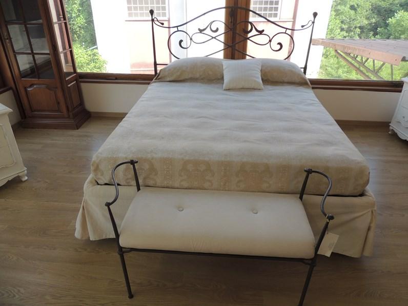 letto in ferro battuto con contenitore art cortezari a prezzo scontato On letto in ferro battuto prezzo