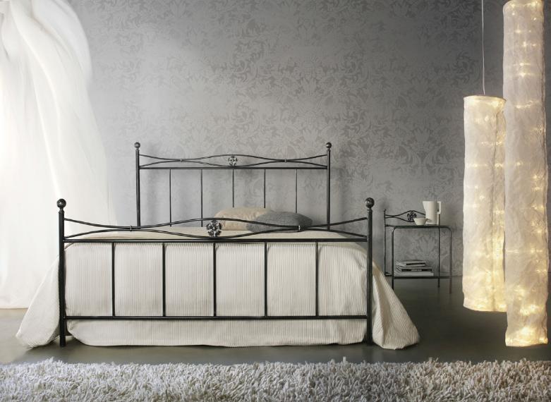 Letto in ferro battuto con pediera letti a prezzi scontati - Camere con letto in ferro battuto ...