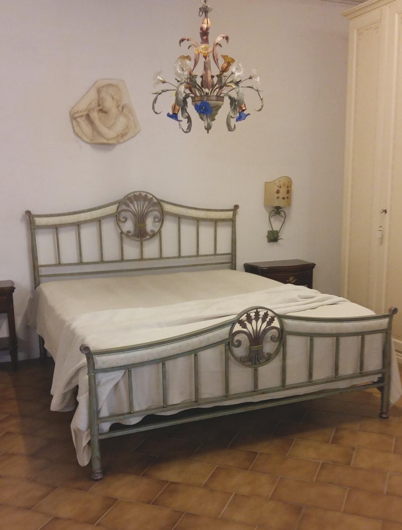 Letto in ferro battuto patinato letti a prezzi scontati - Spalliere letto in ferro battuto ...
