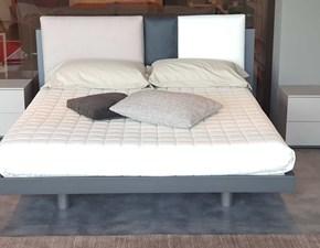 Letto in legno con gambe Outlet letto tomasella nikkiTomasellaa prezzo ribassato