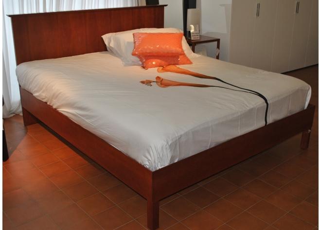 Letto in legno flou scontato del 60 in legno letti a - Gambe del letto ...