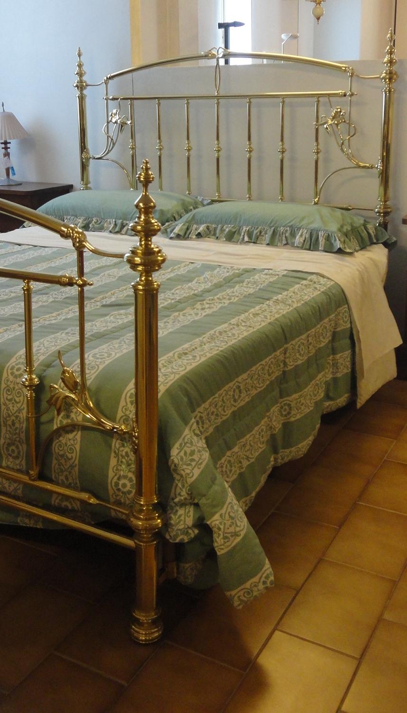 Letto lamp international lamp scontato del 60 letti a - Pediera del letto ...