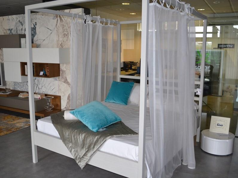 Letto matrimoniale design nemo alta corte a prezzo scontato for Letti outlet design