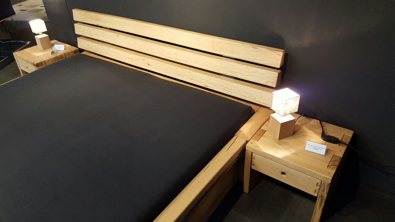Letto matrimoniale rovere massiccio prezzo outlet letti for Letti in legno moderni prezzi